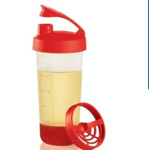 Tupperware NEW Quick Shake Container